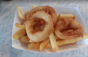 Large Onion Rings & Fries